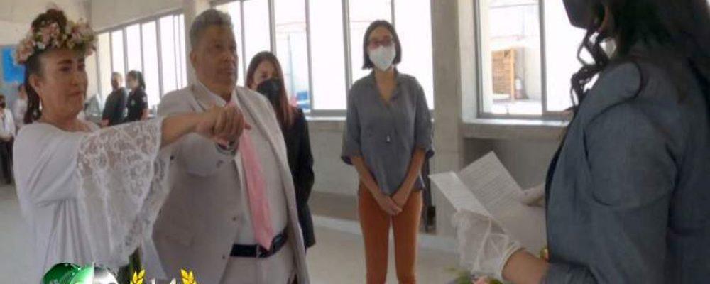 Celebran primer matrimonio lésbico en CERESO de Michoacán