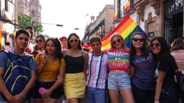 Gobierno de Michoacán Participa en Marcha LGBTTTIQ+
